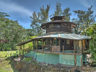NEW! Secluded 2BR Keaau House w/ Hot Tub!