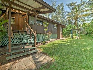 Secluded Keaau House w/Hot Tub & Wraparound Porch!