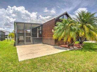 NEW! 'Glades Haven' Cozy 1BR Everglades City Cabin