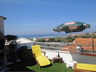 Vila Chã Beach apartment, with terrace sea views 2/4 peoples. Snooker table