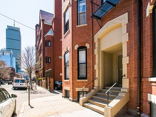14 Gloucester 4B by Lyon Apartments