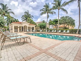 Luxe Ft. Myers Condo on Golf Course w/Pool Access!