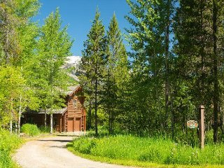 Lake Creek Dr - Enjoy this Cabin in The Aspens!