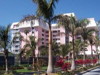 Hilton Surf club of Marco Island 2bdrm Condo, sleeps 6, Dec.9-16th, $599/Week!