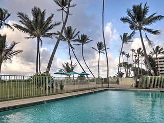 'Pats at Punalu'u' Hauula Beachfront Condo w/Pool