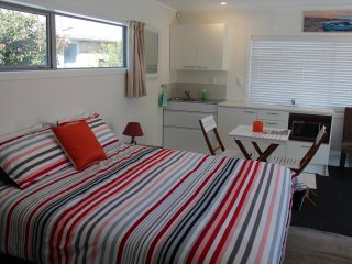Private & Quality Stay near Beaches and Shops & Golf Course