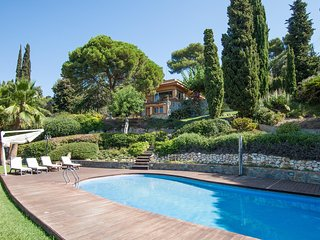 Villa Bell Raco - LARGE GARDEN, pool, wifi!