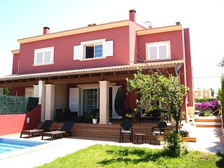 Elegant House for 8 persons, Wifi, Pool, 5' from the sea