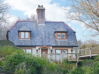 Sky Sail Cottage - situated above Borth y Gest bay with amazing views