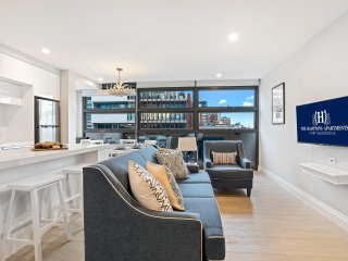 The Hamptons 2 Bedroom Deluxe Corporate Keys Apt