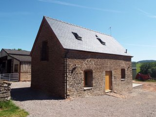 THE STABLES, character, immaculately presented, Monmouth, ref 961187