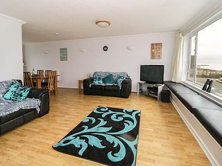 FLAT 1, seaside location, open plan, Anglesey, ref 960727