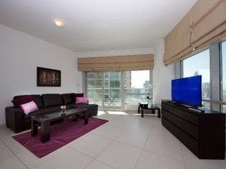Beautiful 1BHk in LOFTS CENTRAL - DOWNTOWN