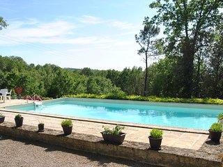 Mesange Bleue, Gites Nieudegat, Simeyrols,  nr Sarlat, Dordogne.
