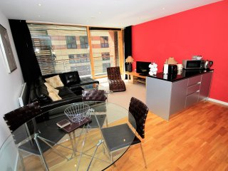 Properties Unique - Quayside Lofts Apartments (2 Bed)