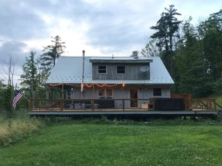 Casa Minnewaska, Newly Renovated 5 Acres & Secluded Right in Minnewaska Park