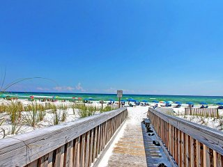 Emerald Isle 210-2BR -Real Joy FunPass-Gulf Views-BeachFront Pool