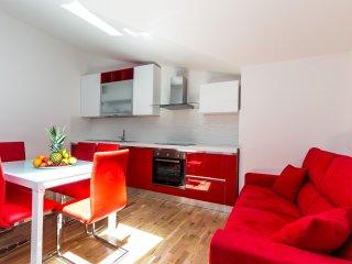 Appartamento Rosso a Palazzo Quaroni