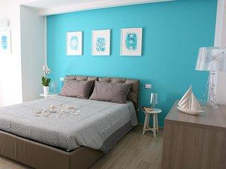 Nuovissimo appartamento per 6 persone a 300mt dal mare con camera 'Family'