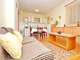 Apartment Silvana 1 for 6 people - P1