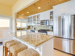 Chic, stylish oceanfront home w/ private deck - on boardwalk, ocean views!