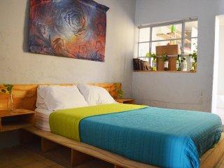 Comfy and Creative Studio Apartment!