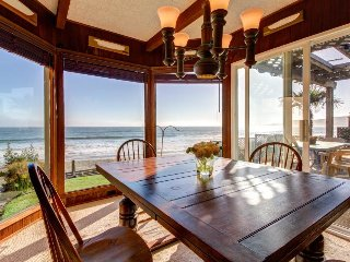 Quaint oceanfront beach house w/ furnished deck, ocean view, and beach access