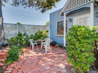 Cheerful Cayucos cottage within easy walking distance to town/beach!