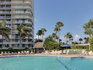 Elegant, waterfront condo w/ pool, shared hot tub, tennis access - walk to beach