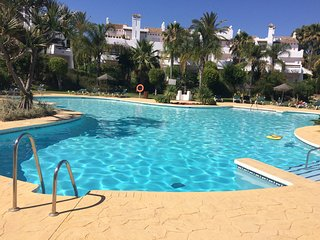 Luxury Townhouse *** With Sea Views *** 70m to the Beach