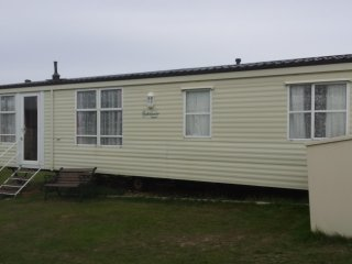 2 Bed Sliver Holiday Home at Valley Farm Clacton On Sea 12 month park 208