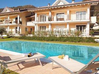Elegante duplex con piscina e grande terrazzo