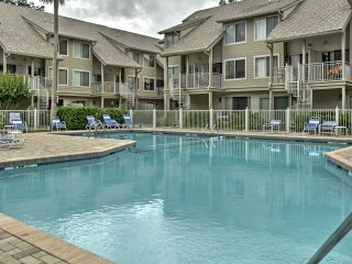 NEW! 2BR Hilton Head Condo - Walk to Beach!