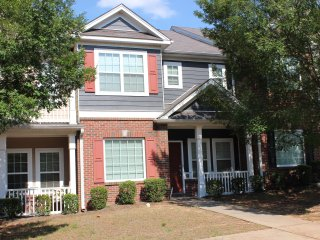 Vacation home in atlanta near six flags, close to downtown, and airport.