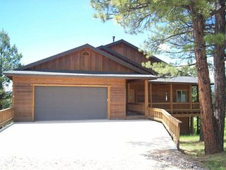 Glenwood is a relaxing vacation home located in the Twin Creeks area in Pagosa