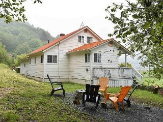 New! Rainbow's End -  Country Home with Ocean, River & Pasture views by Park