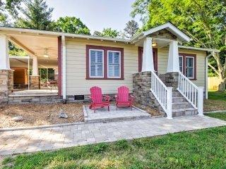 Remodeled Swannanoa Cottage w/Sauna, Yard&Fire Pit