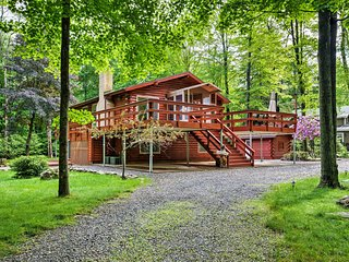 Modern Lake Poconos Home w/Sauna, Pool & Fire Pit!
