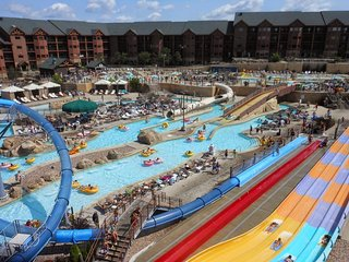 Deluxe 2 Bedroom at Wyndham Glacier Canyon, Water Park