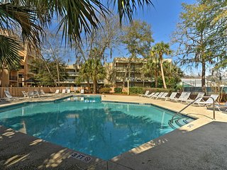 New Listing! Recently Updated 3BR Hilton Head Island Condo w/Wifi, Wet Bar