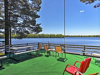 Lakefront Whistling Pines Resort 'Maple Cottage'