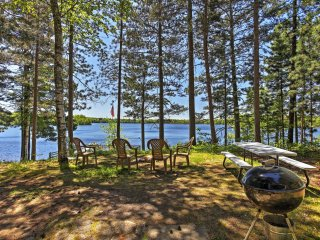 Lakefront Boulder Junction Cottage w/Amenities!