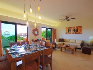 RMS with garden and pool view.For 8 people. Condo Hotel service included.