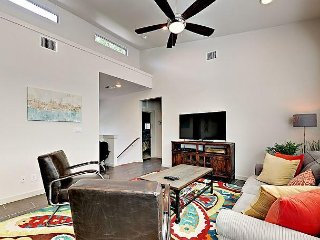 Modern East Austin Dream! 1 Mile to Downtown!
