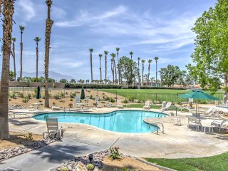 NEW! 2BR La Quinta Condo w/ Golf Course Views!
