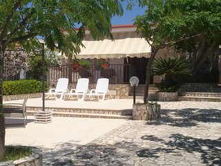 Villa Namali, just 100 meters from the beach !!!