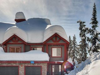 Snowbanks 6, Comes with a Movie Room, Sleeps 14 with Comfort, Ski in/Out