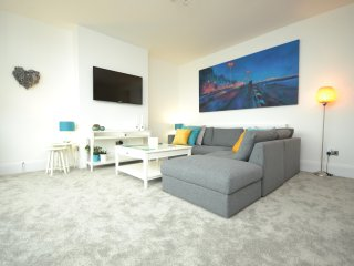 SeaScape - New for Summer 2017! Luxury Apartment with coastal views