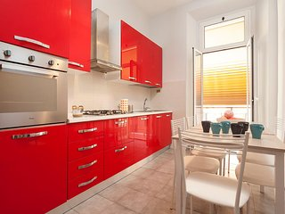 ETRURIA HOME 150 M2 APT CLOSE ST JOHN LATERAN & METRO A (ROME CENTRE)