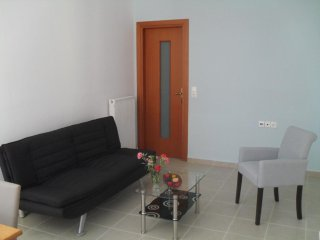 Ground floor apartment, pool, walking distance beach, upto 5 persons, terrace